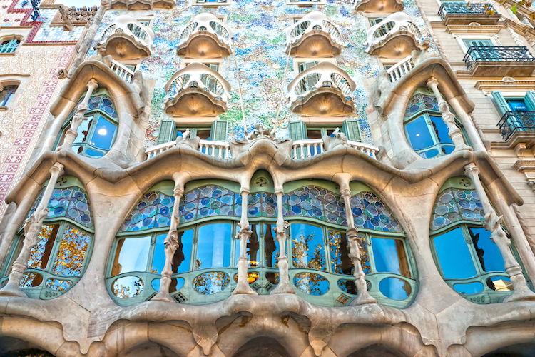 Art Nouveau Architecture Great Examples How It Differs From Art Deco