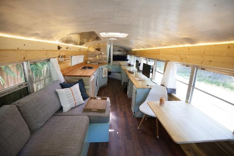 Autobús escolar transformado