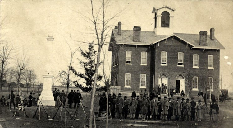 19th Century America Captured In Rare Early Photographs