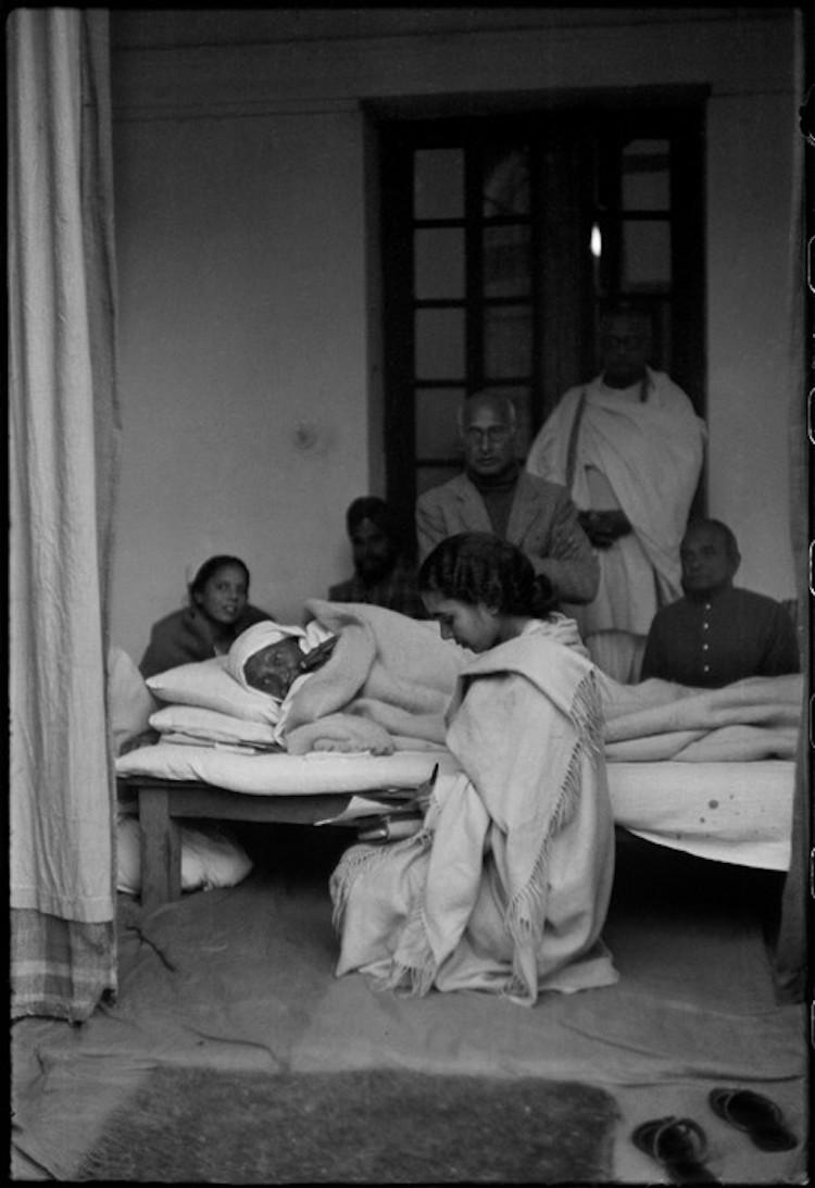 Henri Cartier-Bresson - History of Photojournalism