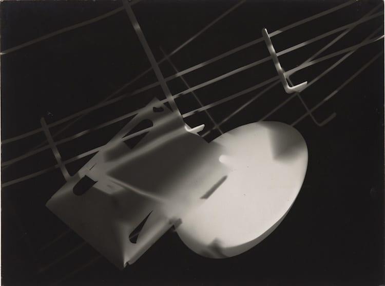 László Moholy-Nagy photogram
