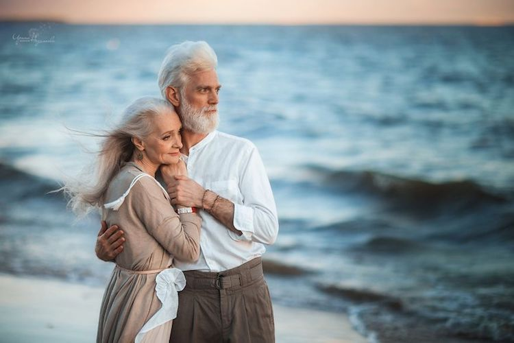 Pictures of Elderly Couple in Love