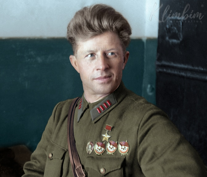 Alexander Ilich Rodimtsev | Александр Ильич Род Colorized Photos of Russian History