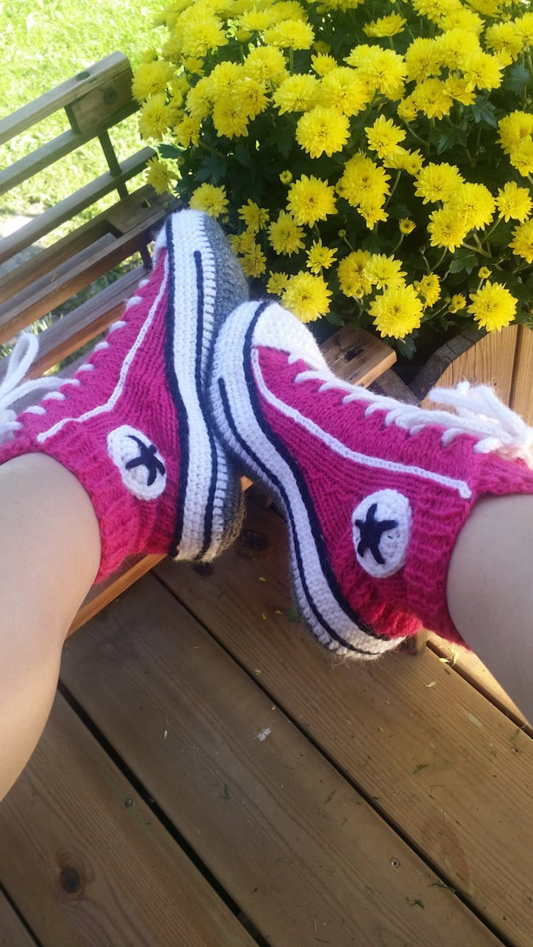 Knitting Pattern For Converse Socks : Knitted Sneakers Pattern Reimagines Converse Shoes into ...