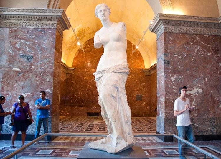 famous sculptures venus de milo