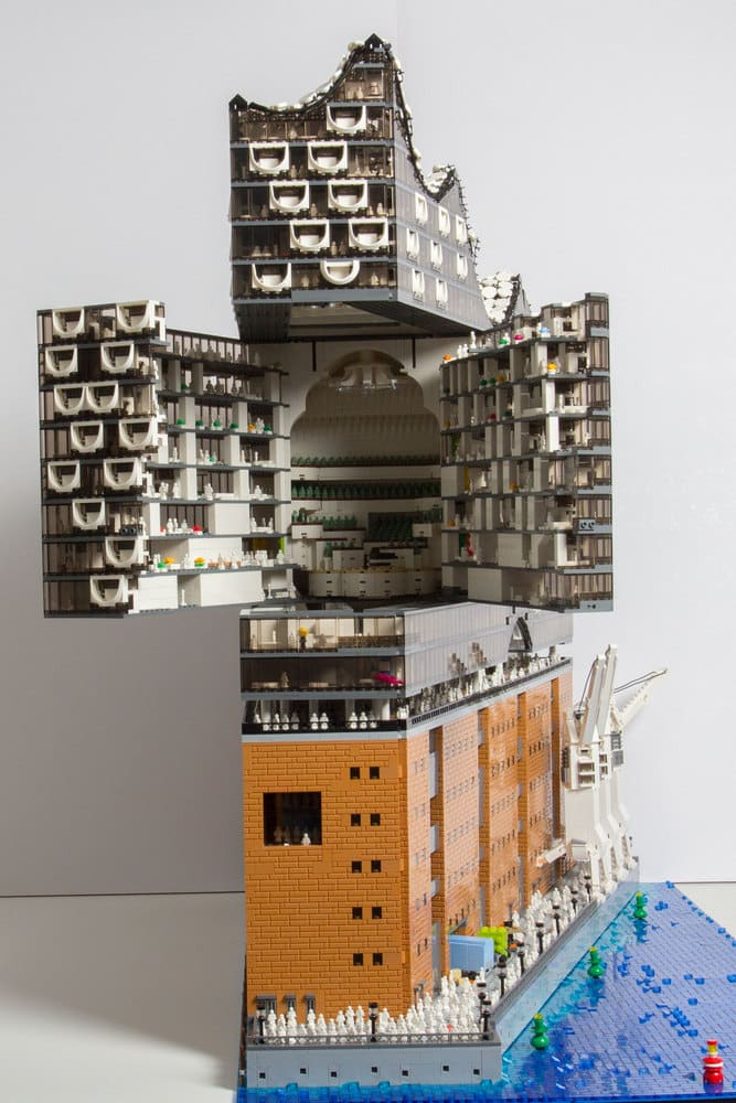 lego architecture replica of herzog de meuron 39 s elbphilharmonie. Black Bedroom Furniture Sets. Home Design Ideas