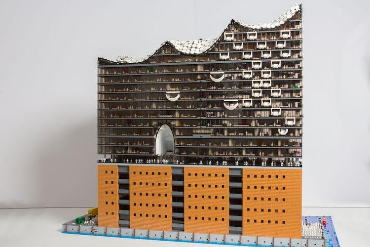 Elphilharmonie scale model LEGO