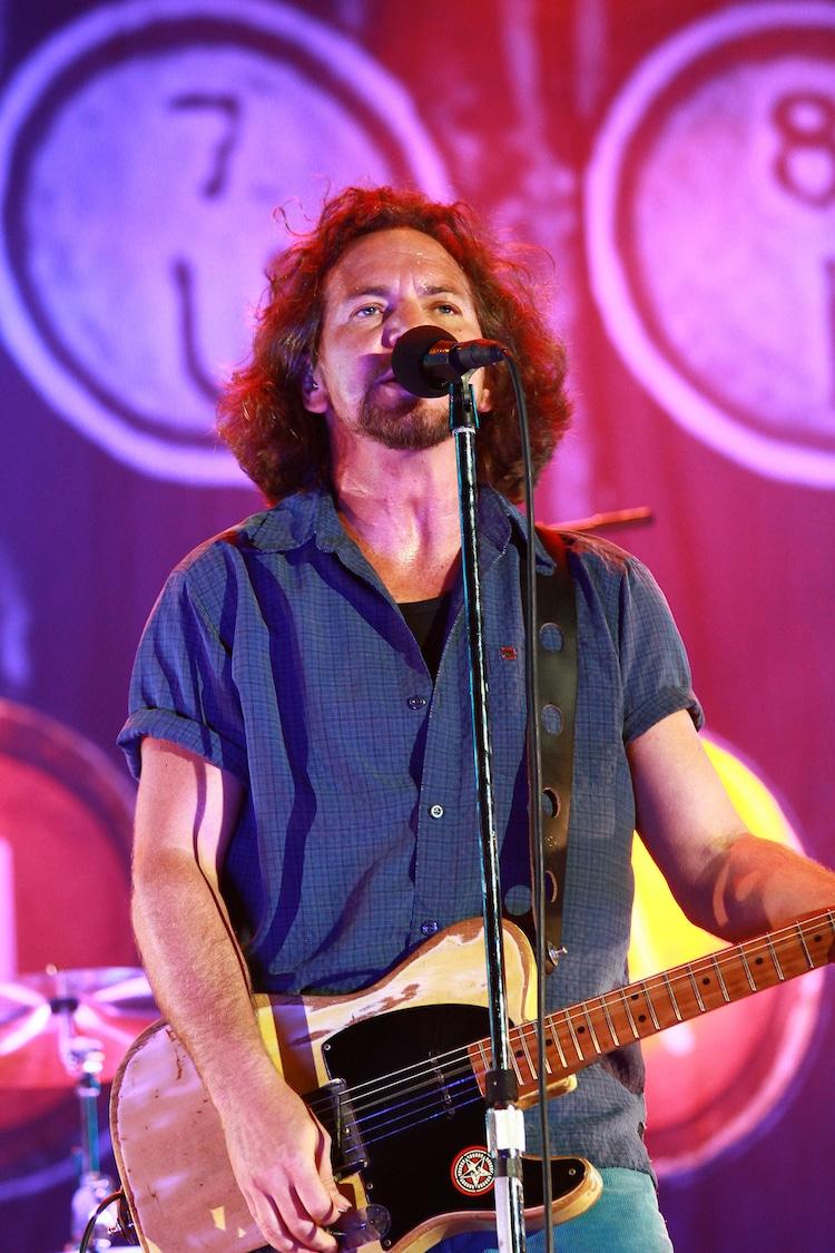 Eddie Vedder Singing