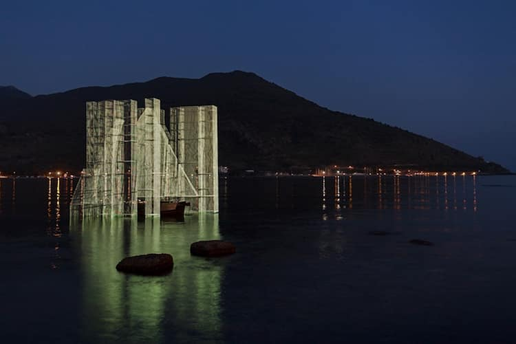 Edoardo Tresoldi wire art installation