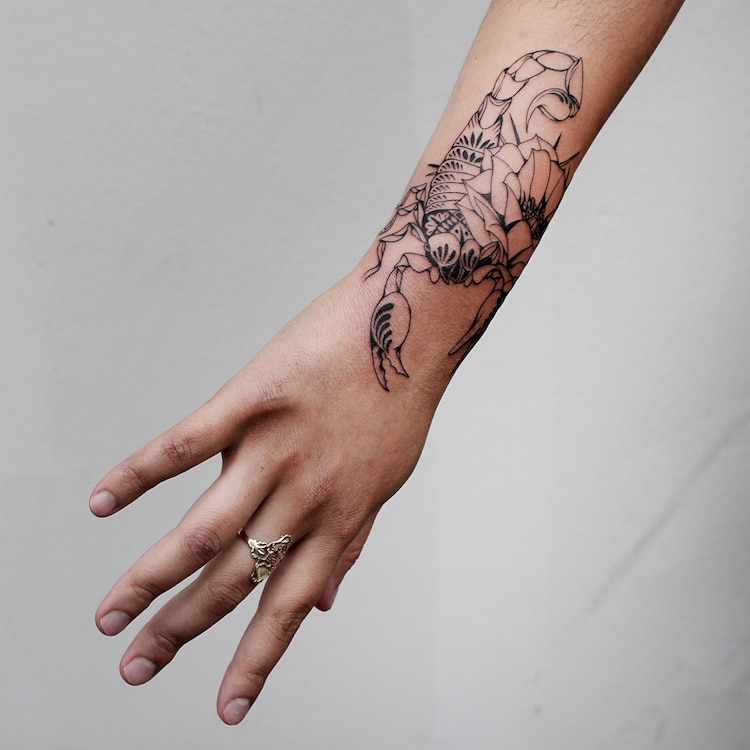 Fine Line Tattoo Artist Creates Detailed Black Ink Tattoo Art