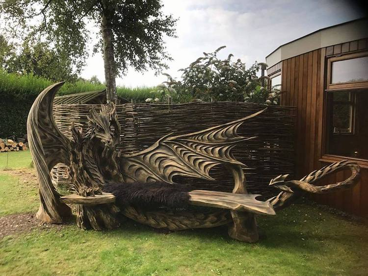 Igor Loskutow Dragon Bench