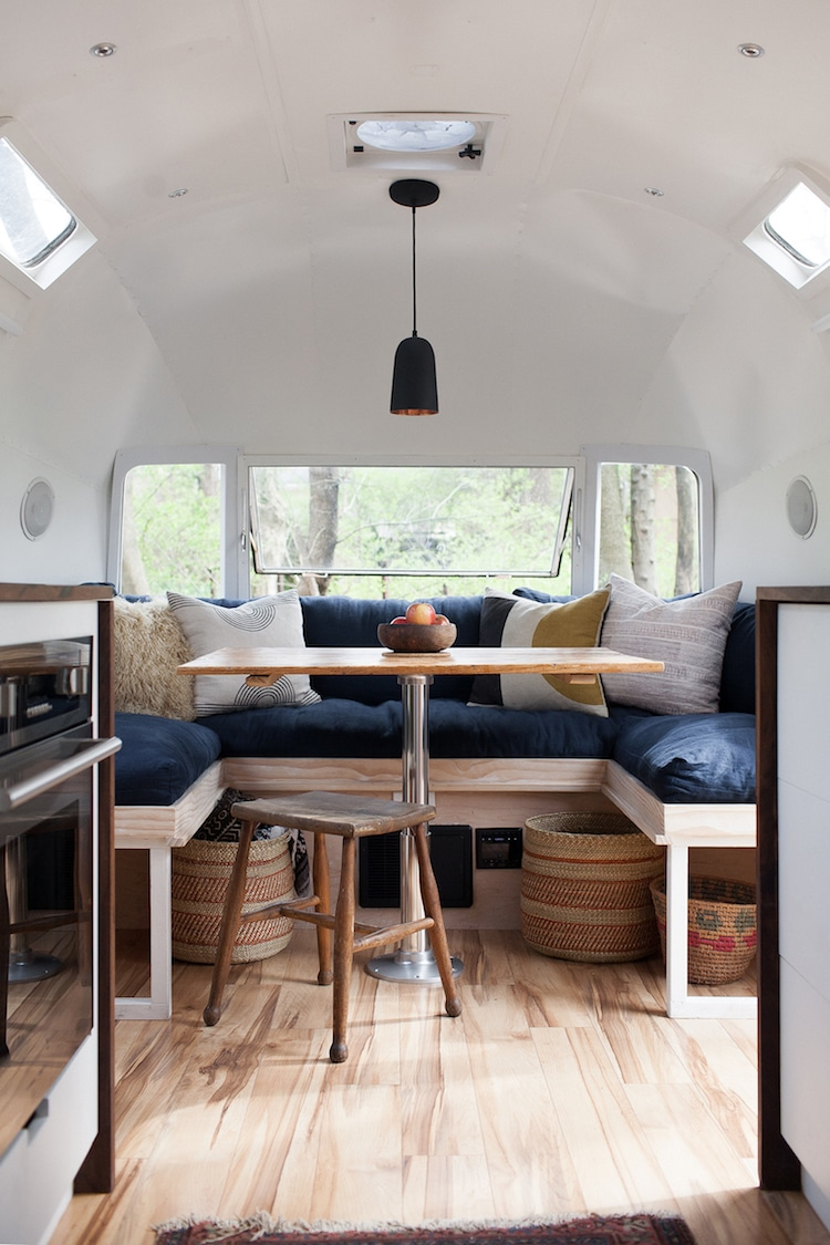 15 camper remodel ideas that will inspire you to hit the road for Wallpaper home renovation