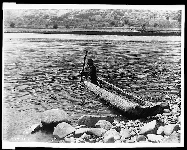 Nez Percé canoe dugout canoe