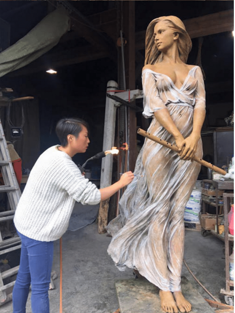 Realistic Sculptures by Luo Li Rong