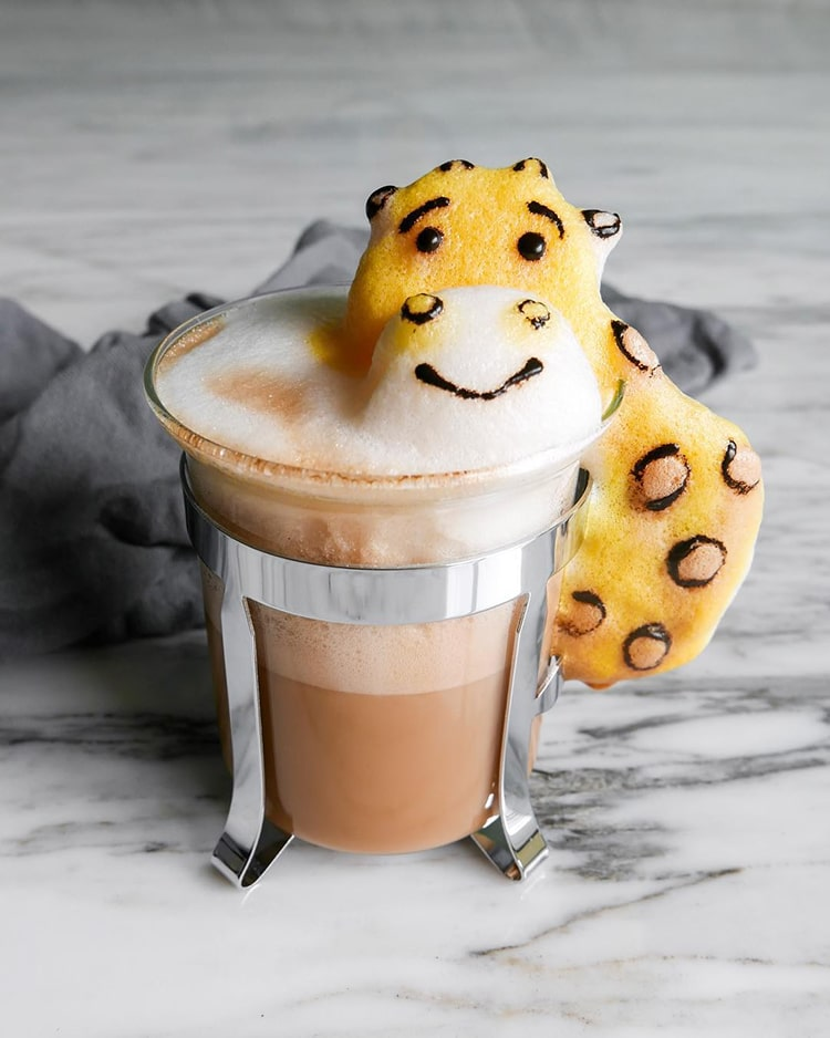 Daphne Tan 3-D Latte Art