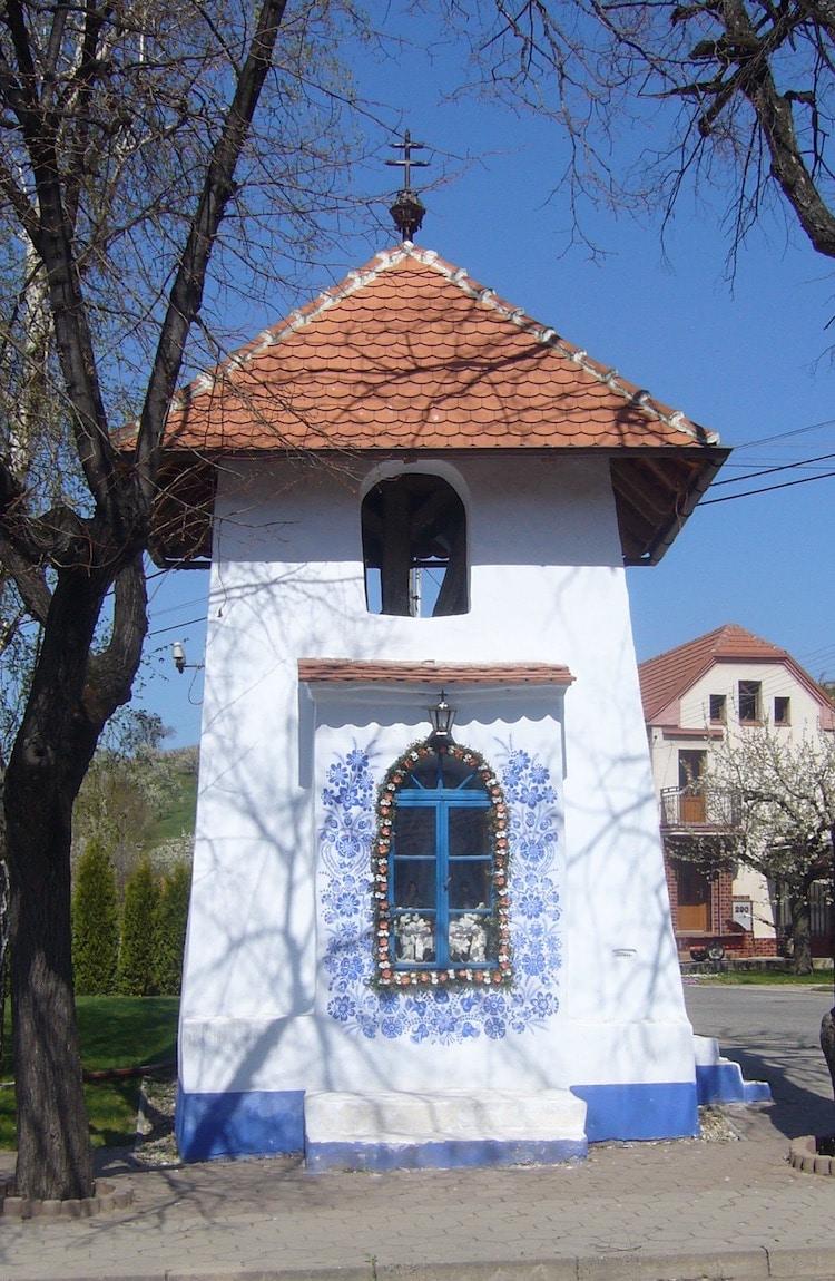 Agnes Kasparkova Louka painted houses