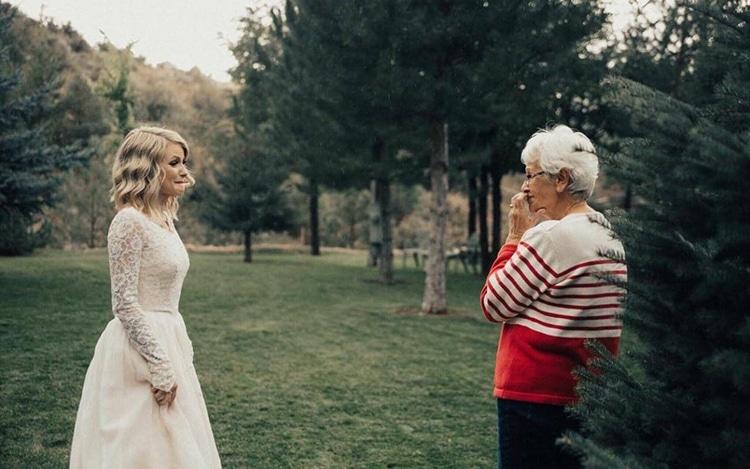 Bride Wears Grandmother's Wedding Dress