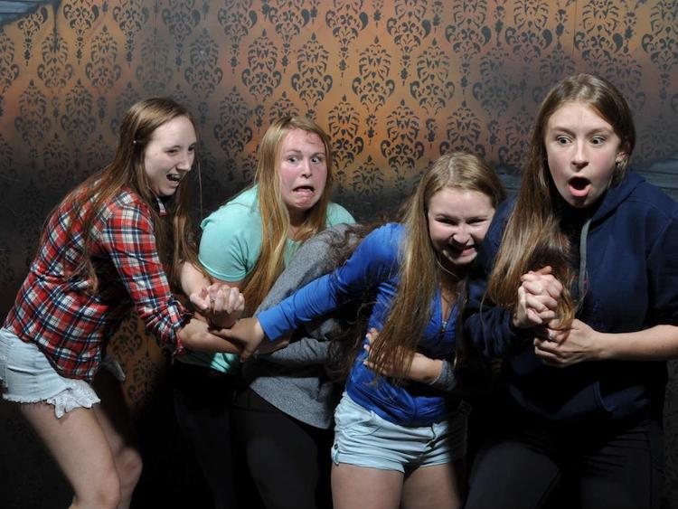 funny haunted house reactions