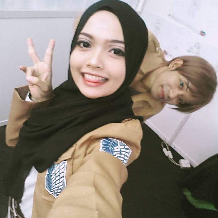 Real Life Looking Anime Girl: Woman Uses Her Hijab To Capture The Essence Of Anime Cosplay