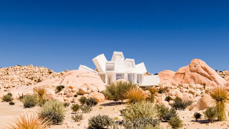 Joshua Tree Residence modern shipping container home