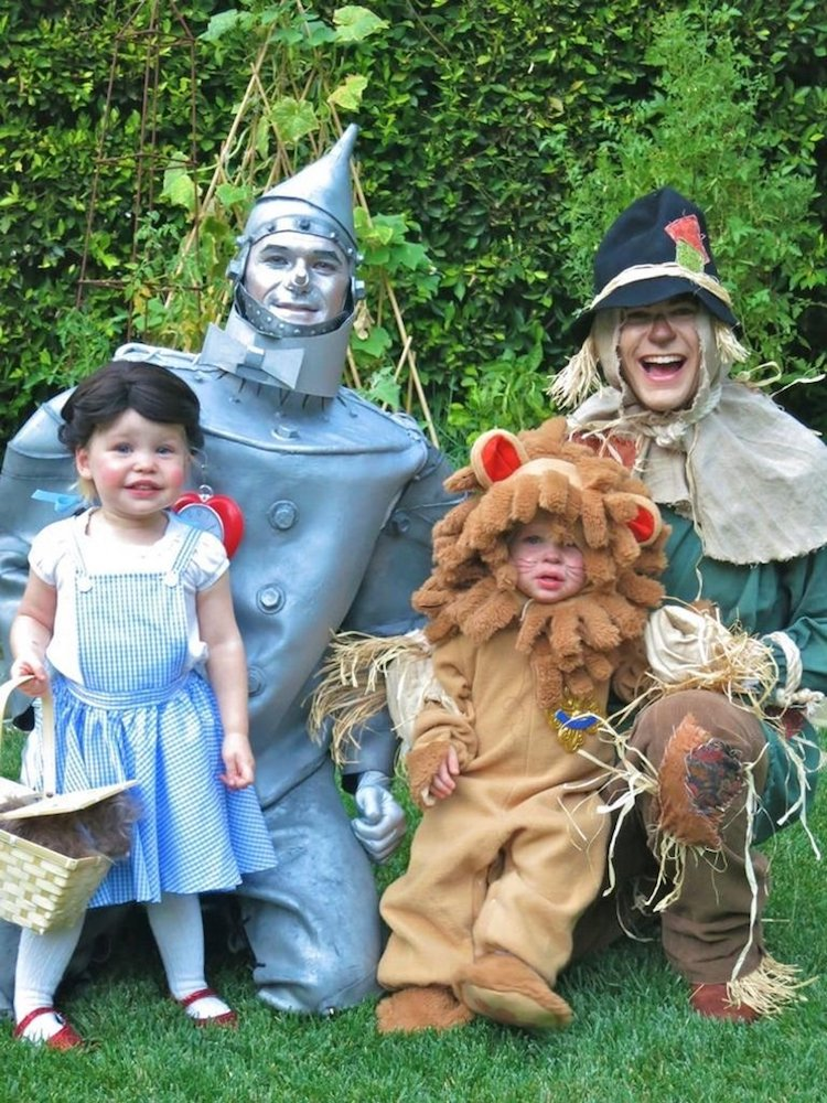 Family Halloween Costume Ideas  sc 1 st  My Modern Met & Neil Patrick Harris Halloween Costumes with His Family Win the Holiday