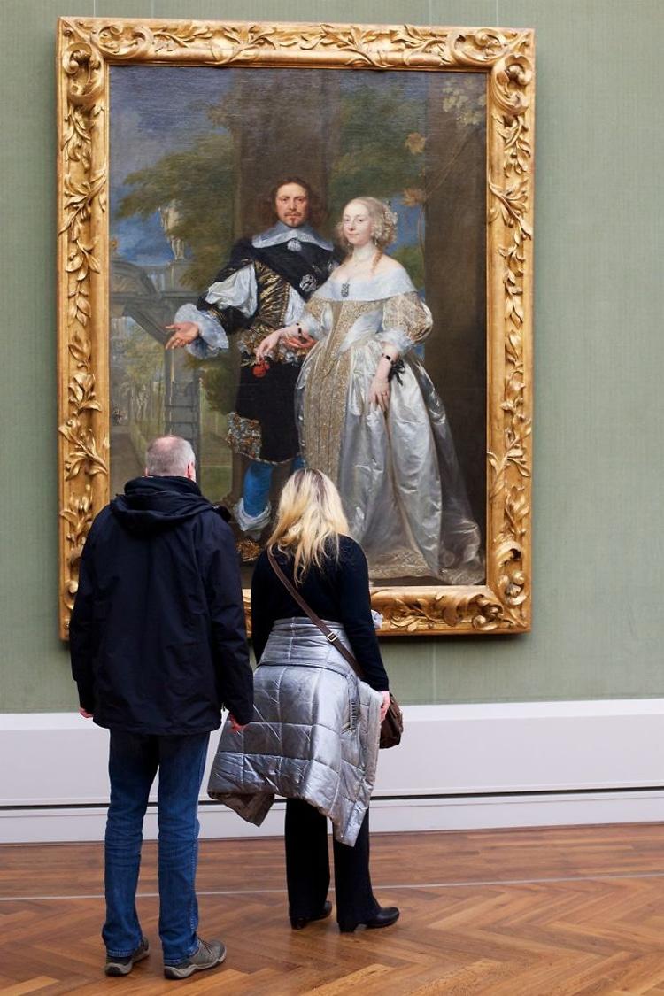 People Matching Artworks by Stefan Draschan
