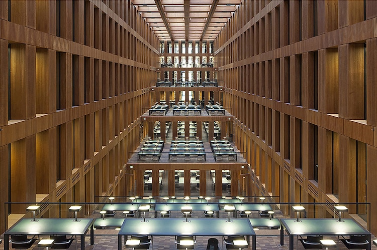 Reinhard Görner library photography