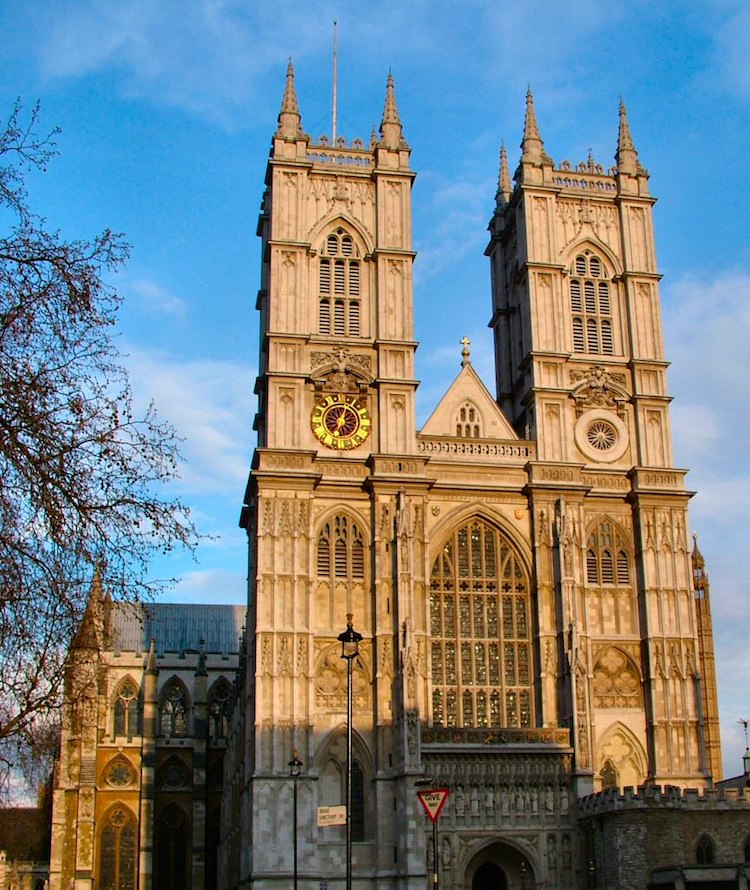 Gothic Architecture Characteristics That Define the Gothic ...