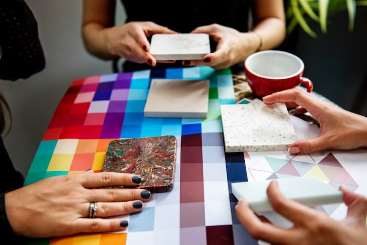 6 Tips for Tacking Art Commissions as a Creative Professional