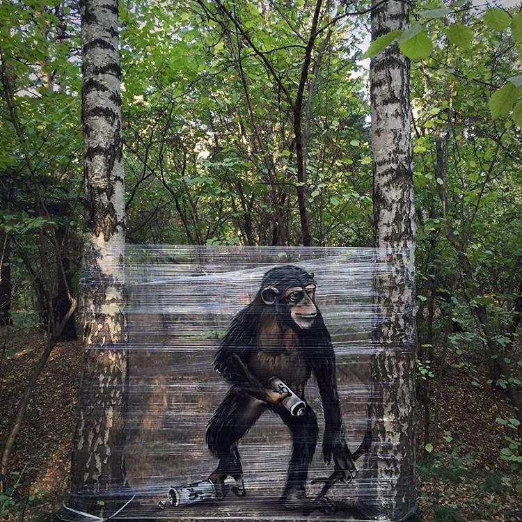Graffiti Artist Spray Paints Cellograff Forest Animals