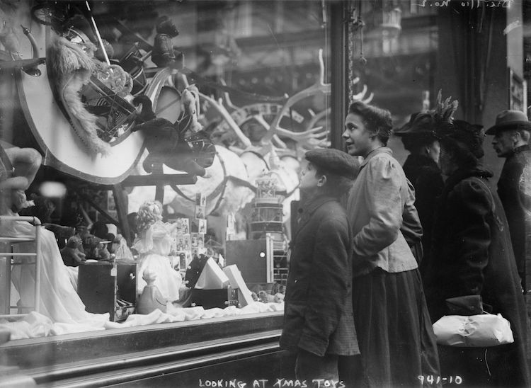 old photographs of New York Christmas