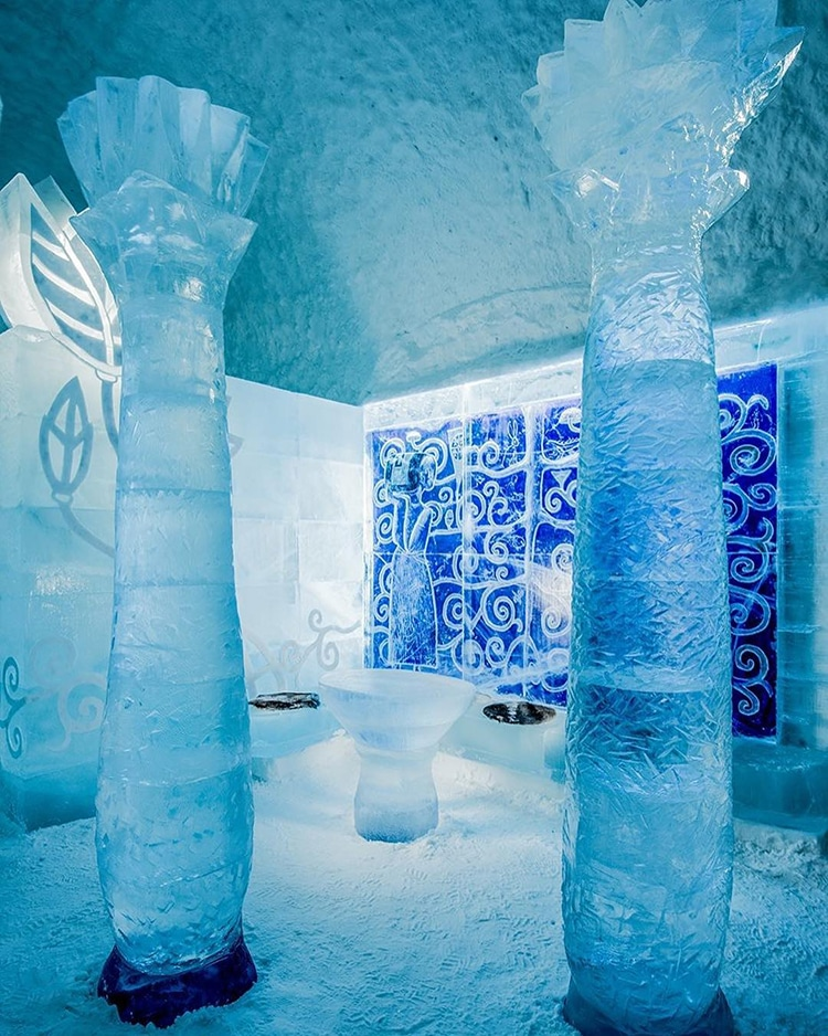 sweden 39 s ice hotel reveals new incredible art suites carved from ice. Black Bedroom Furniture Sets. Home Design Ideas