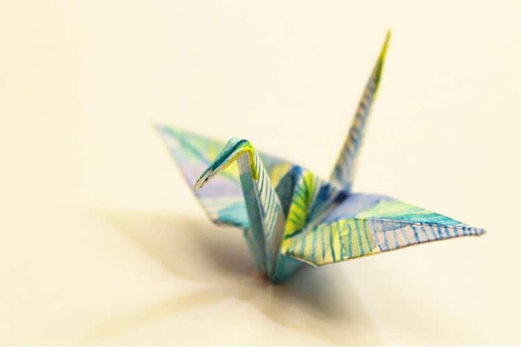 Paper Crane Mobile · How To Make An Origami Mobile · Origami on Cut Out +  Keep | 500x750