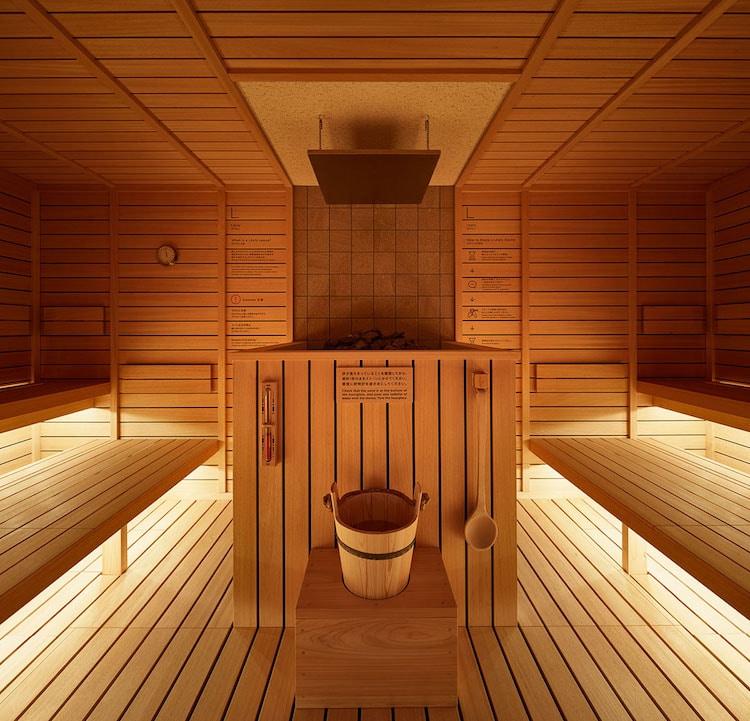 sauna do-c tokyo capsule hotel