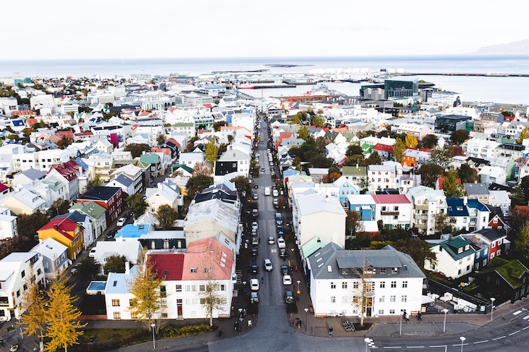 Iceland Legally Requiring Businesses To Pay Men, Women Equally