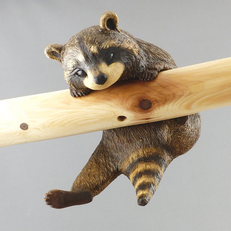 Wood carving artist creates incredibly detailed animal