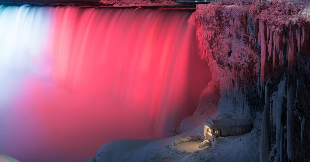 Surreal Images Of Frozen Niagara Falls At Night By Adam