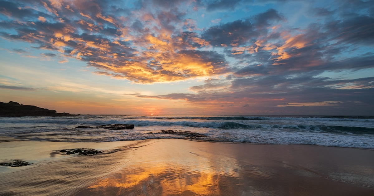 15 Tips on How to Photograph the Sunrise by a Professional