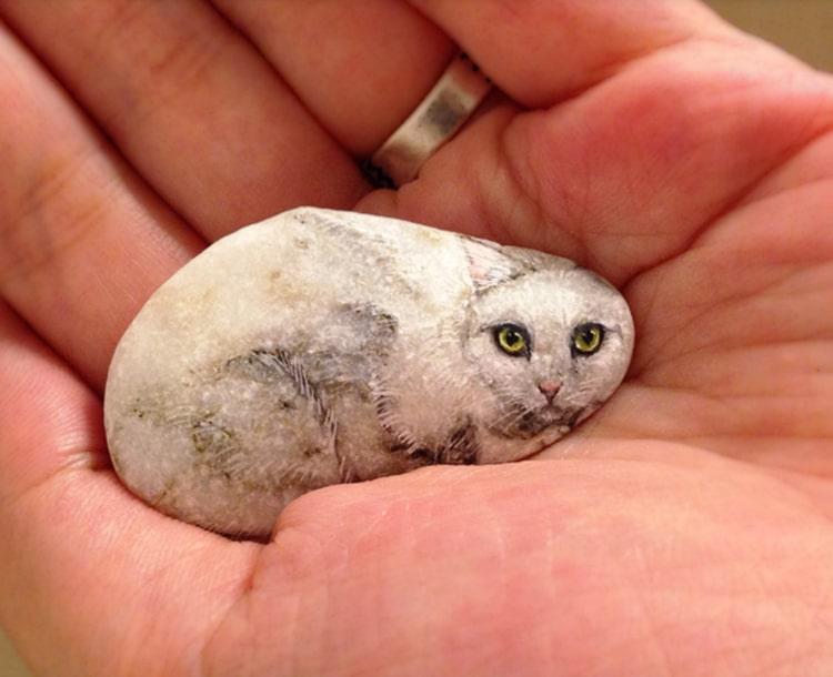 Peintures sur pierre animale par Akie Nakata