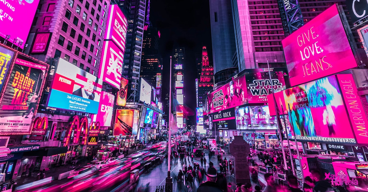 Vibrant Nighttime Photos Of Times Square's Neon Lights By