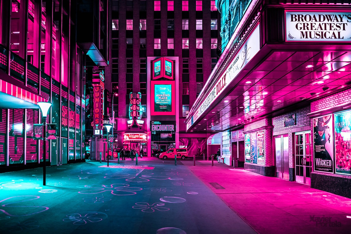 Vibrant Nighttime Photos Of Times Square S Neon Lights By