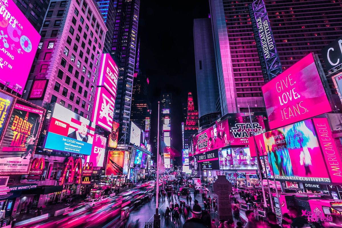 Vibrant Nighttime Photos Of Times Square S Neon Lights By Xavier Portela