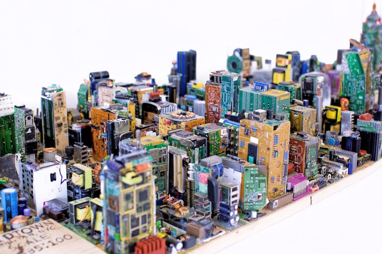 Zayd Menk - New York Scale Model from Computer Parts
