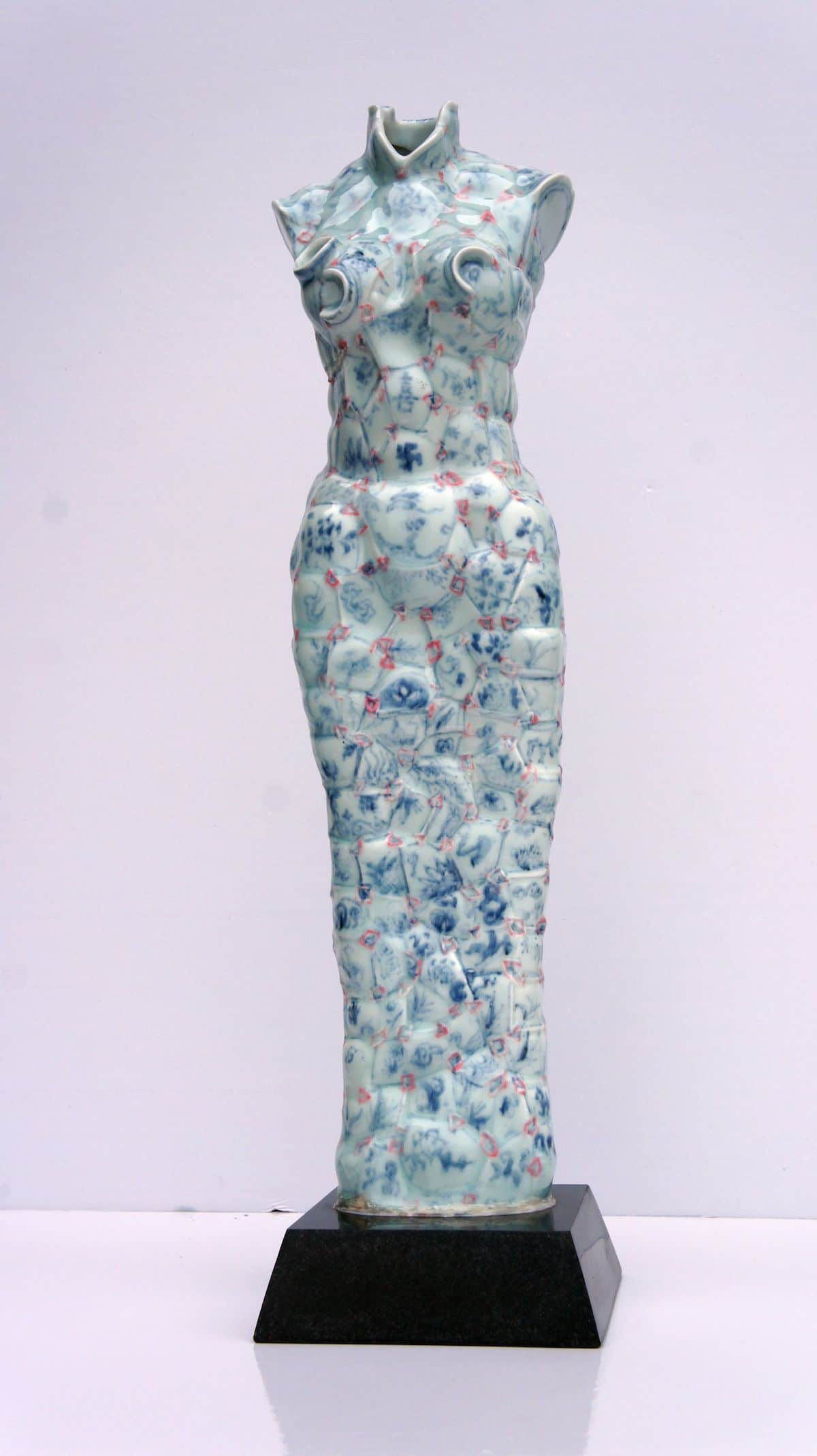 Artist Uses Hundreds of Shards of Chinese Porcelain to Create ...