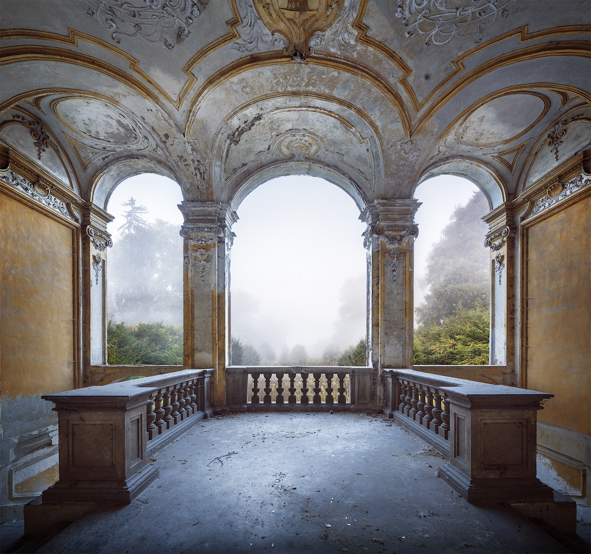 Abandoned Villa Photo by Matt Emmett