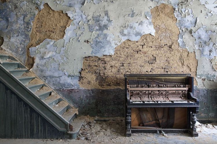 Old Piano Abandoned Buildings Romain Thiery Requiem for Pianos