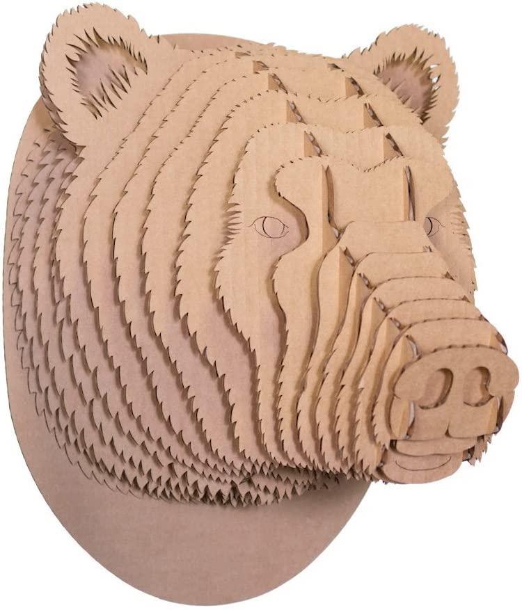 Cabeza de oso de cartón
