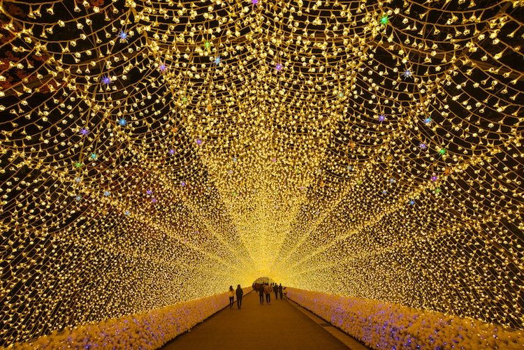 Incredible Nabana No Sato Light Tunnels Made From Millions Of Led Bulbs