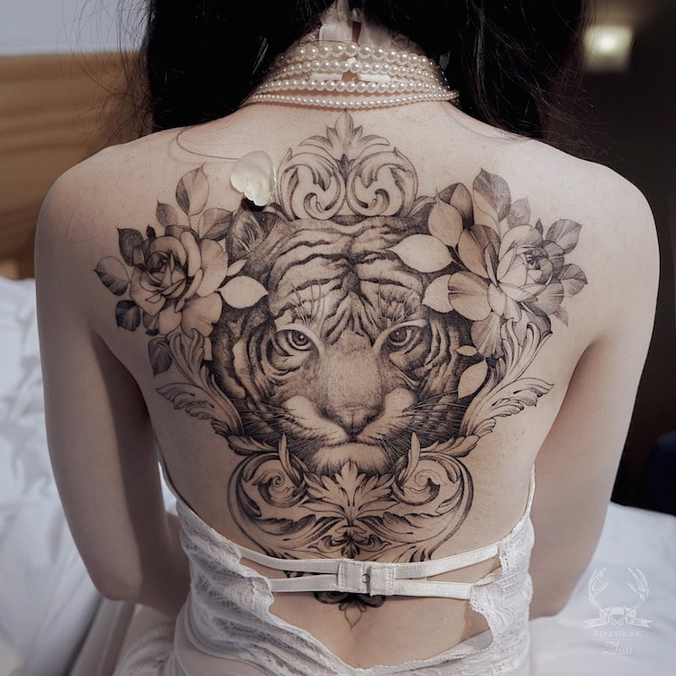 df74b52c6 Artist Creates Fine Line Tattoos Surging With Themes of Feminine Power and  Fertility