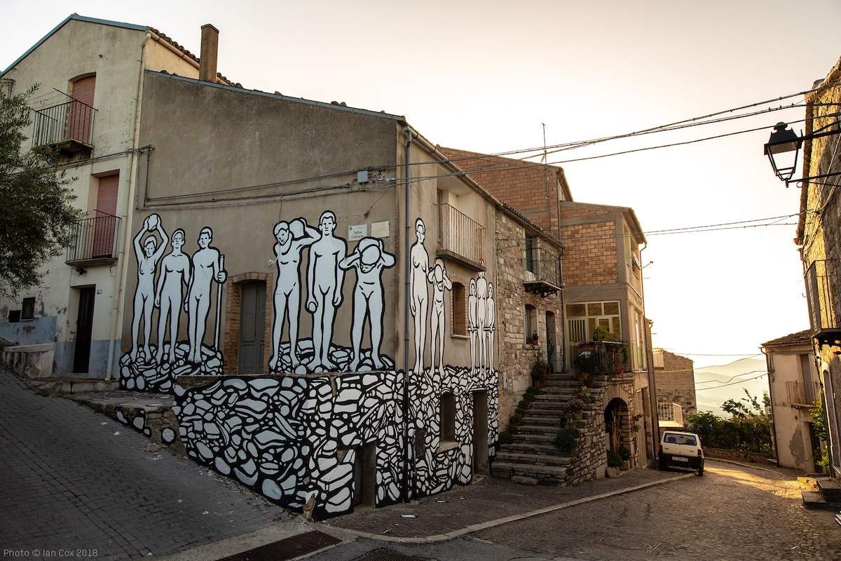 MP5 Street Art in Molise